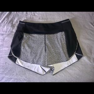 Lululemon Real Quick Short *Perforated 3.5""